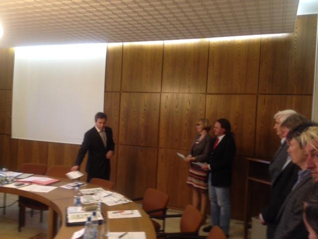 Vereidigung der neugewählten Stellvertreter von Bgm Dietmar Vogel: 2. Bürgermeisterin Monika Kirschbaum und 3. Bürgermeister Oliver Liedtke.