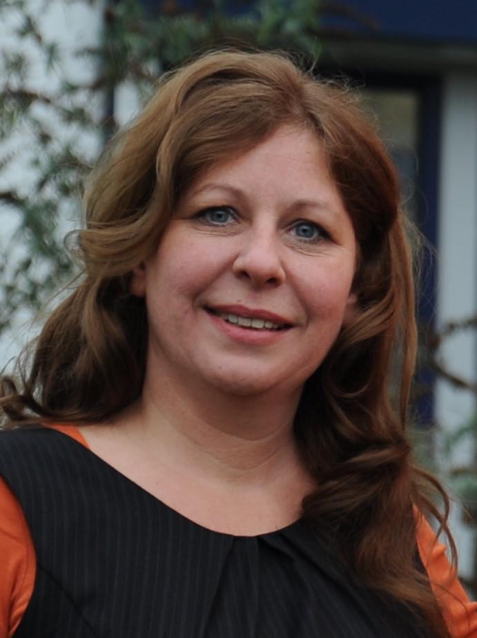 Doris Hüben-Holomos